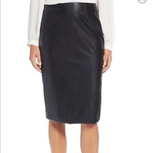 NWT HALOGEN Faux Leather Pencil Skirt - Small